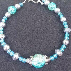 5/$25    Handmade blue beaded bracelet